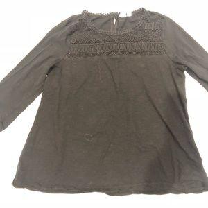 🍀 GAP black embroidered cotton tee M